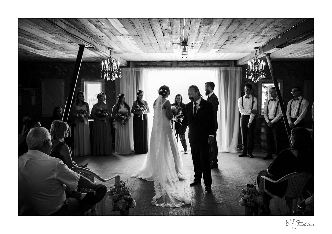 008-manitoba-rustic-barn-wedding-photos.jpg
