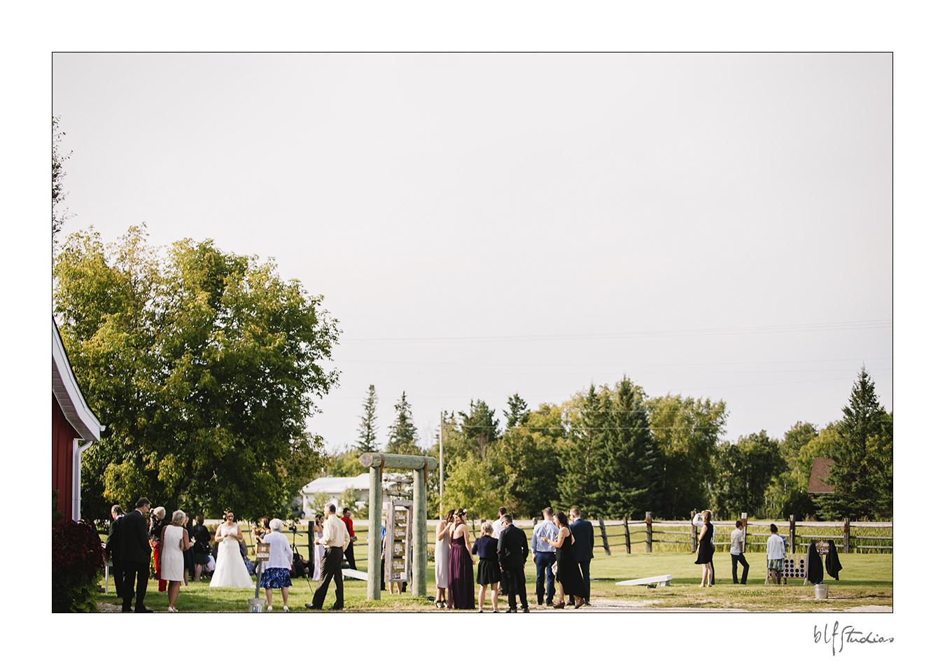 018-manitoba-rustic-barn-wedding-photos.jpg