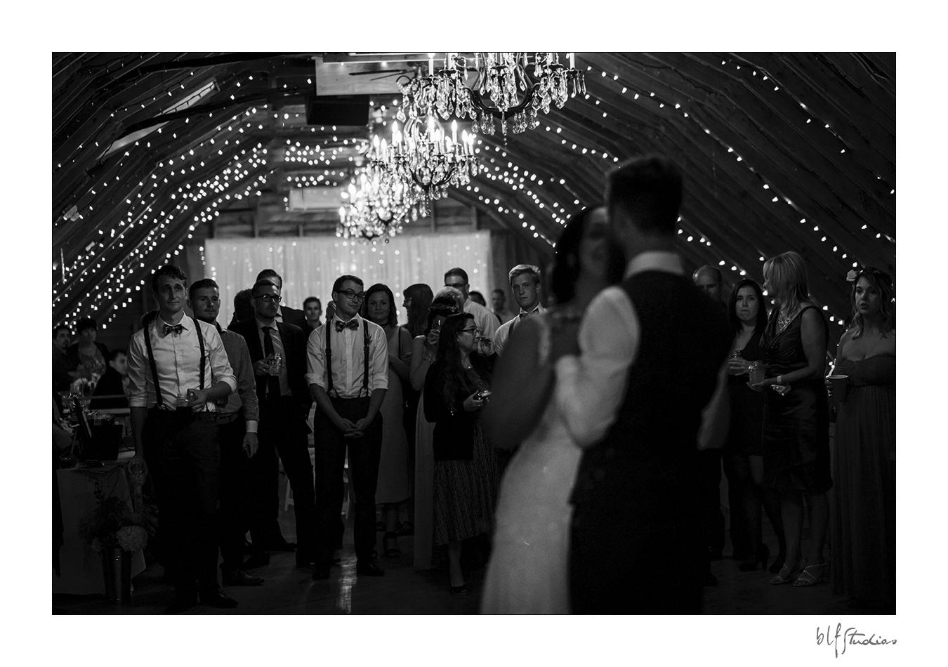 032-manitoba-rustic-barn-wedding-photos.jpg