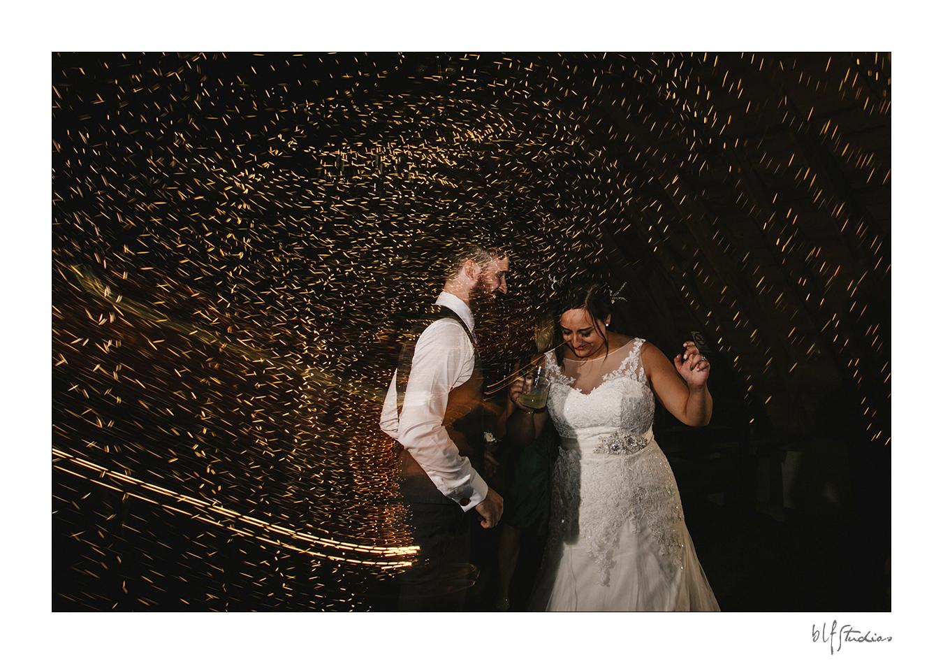 036-manitoba-rustic-barn-wedding-photos.jpg
