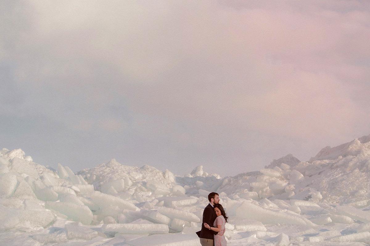 0003-gimli-engagement-photos-winter-blfstudios.jpg