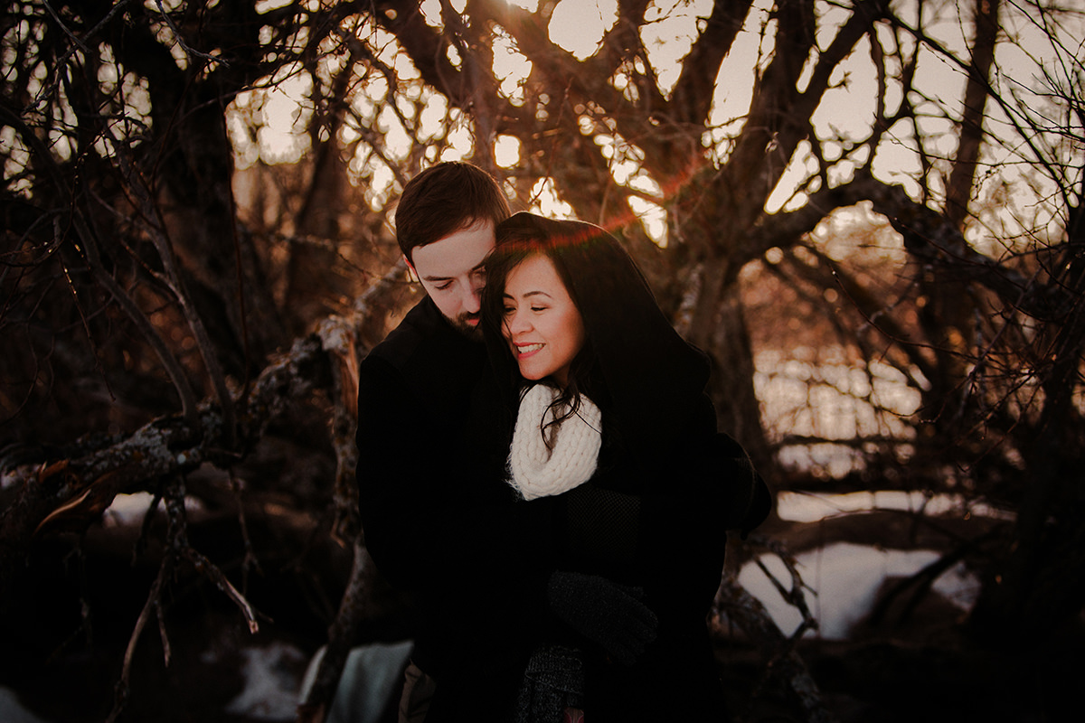 0006-gimli-engagement-photos-winter-blfstudios.jpg