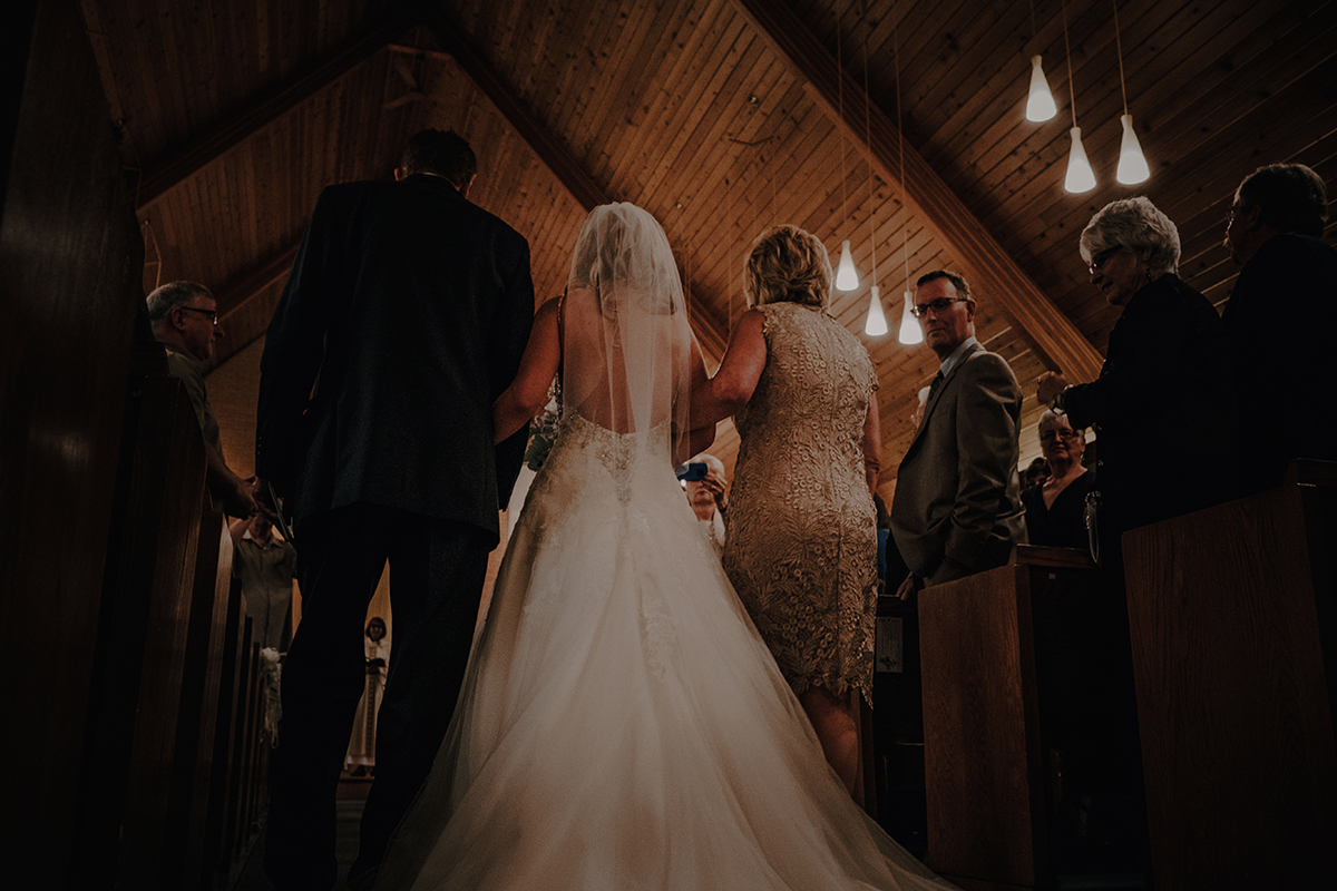 007-niverville-heritage-centre-wedding-photos.jpg