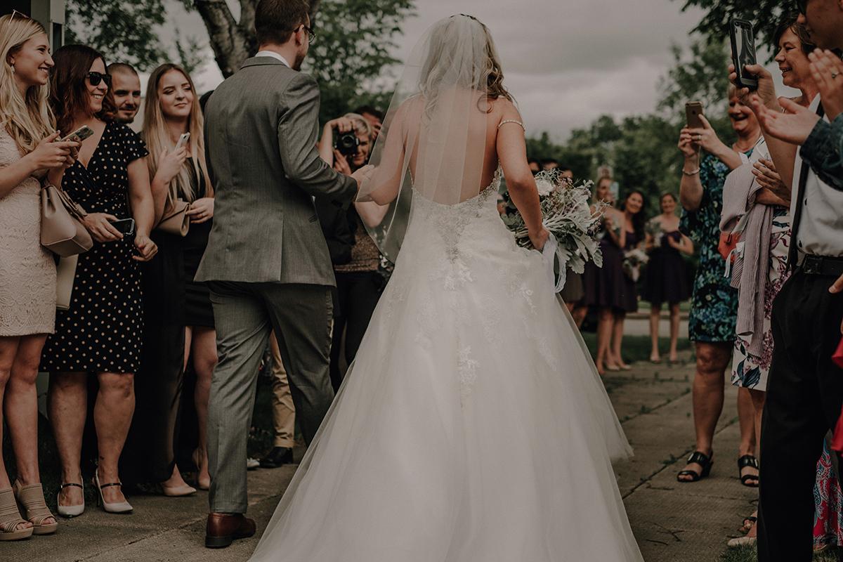 010-niverville-heritage-centre-wedding-photos.jpg