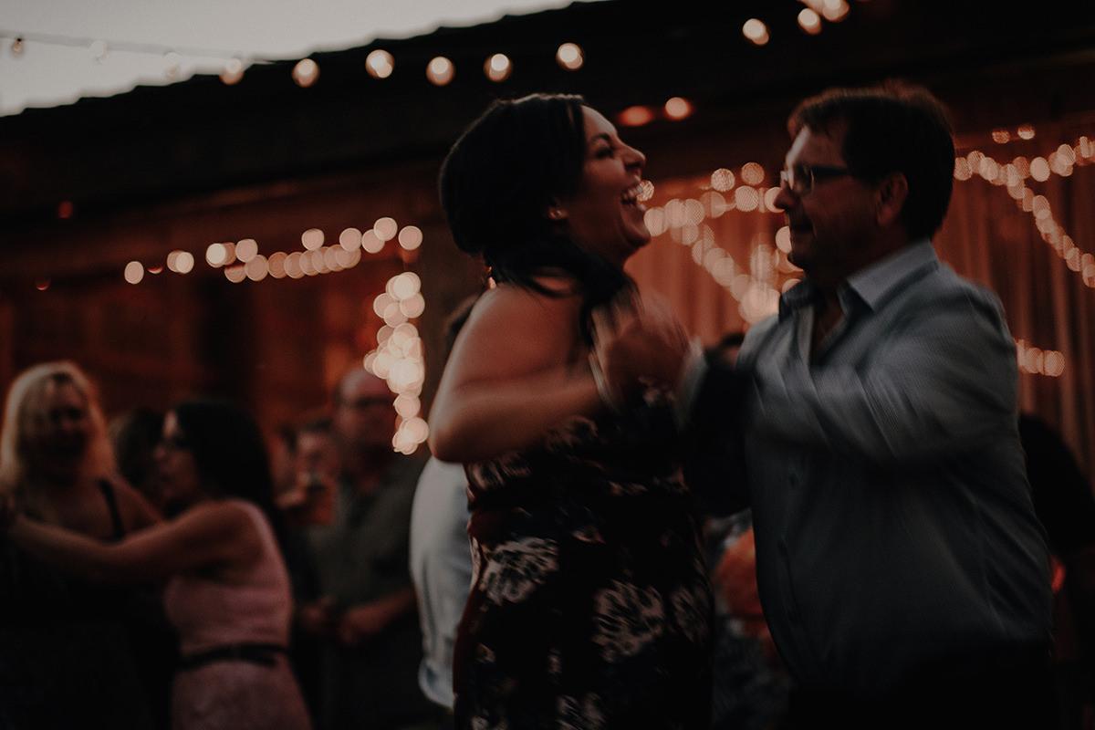 0052LaLune-winnipeg-outdoor-wedding.jpg