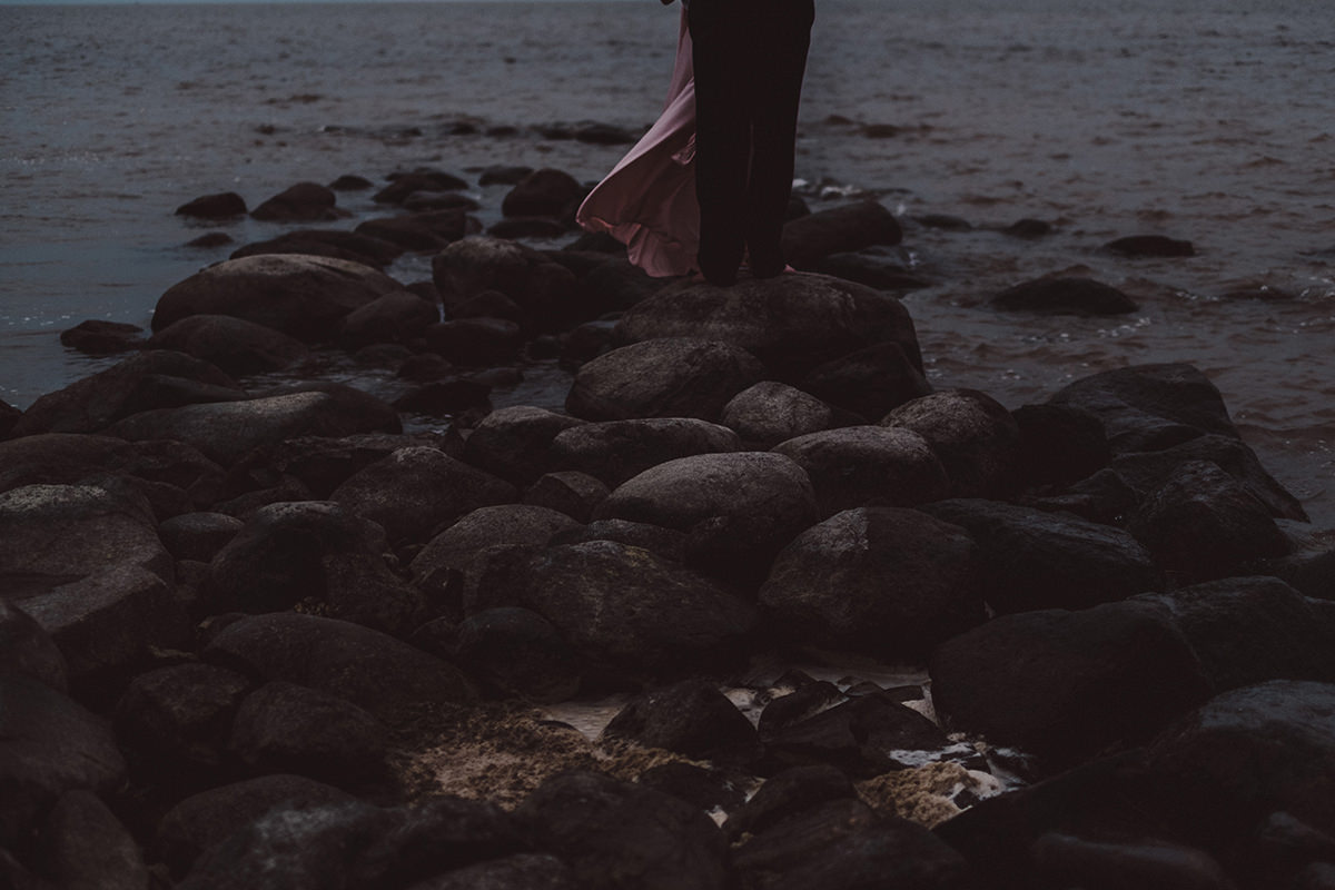 moody beach engagement sessions Manitoba
