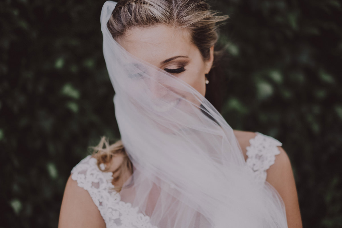 Winnipeg wedding photography bride veil