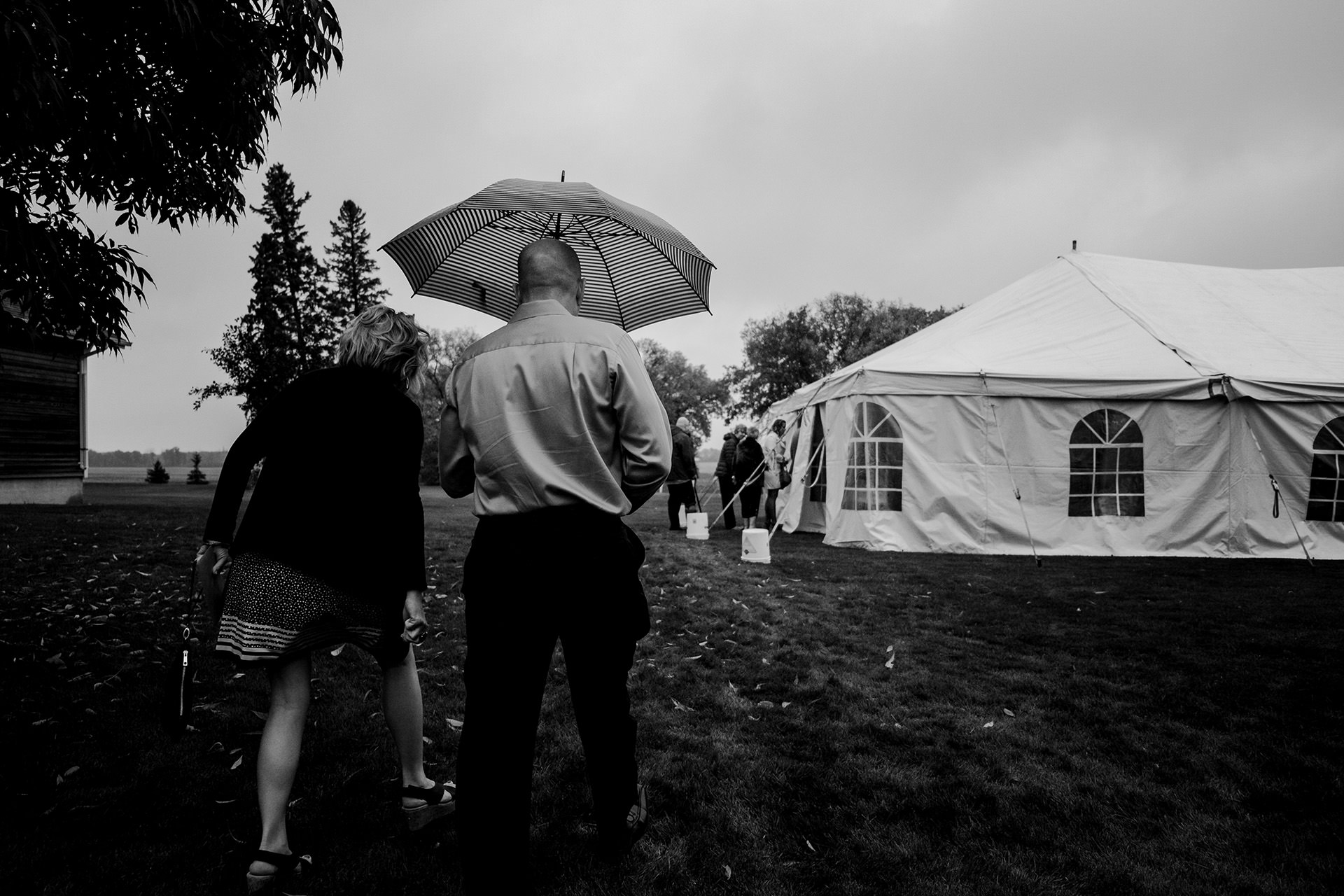 0009-balmoral-manitoba-tent-wedding-stephanie-ryan.jpg