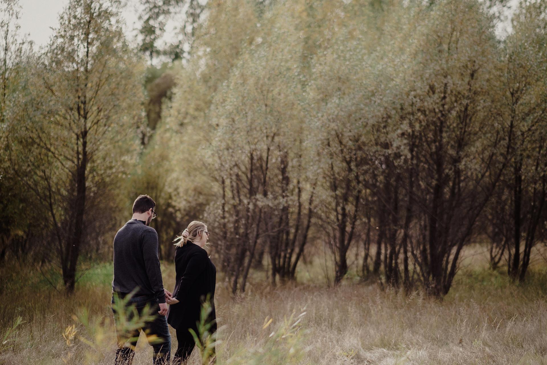 0002-manitoba-woodlands-engagement-photos.jpg