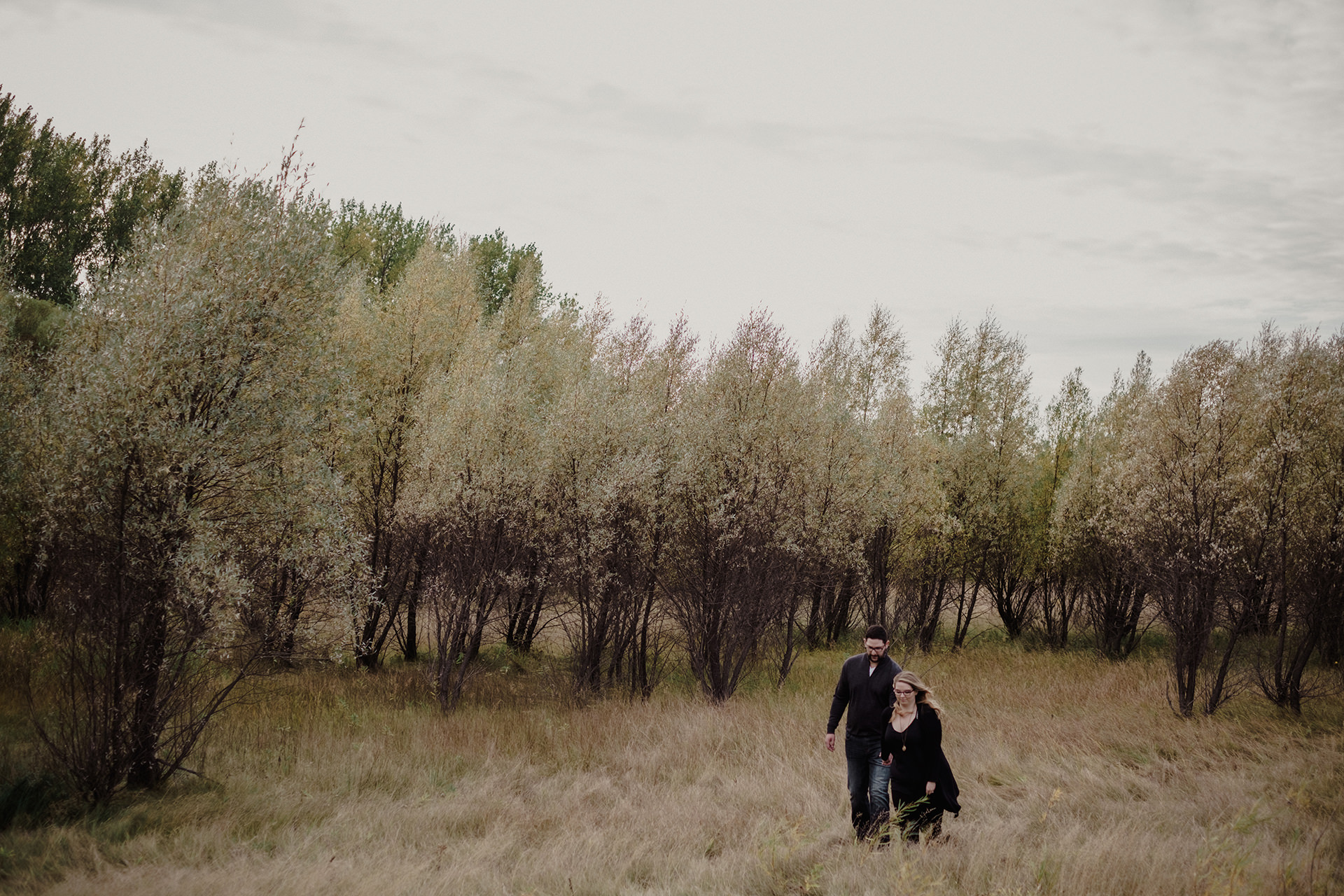 0005-manitoba-woodlands-engagement-photos.jpg