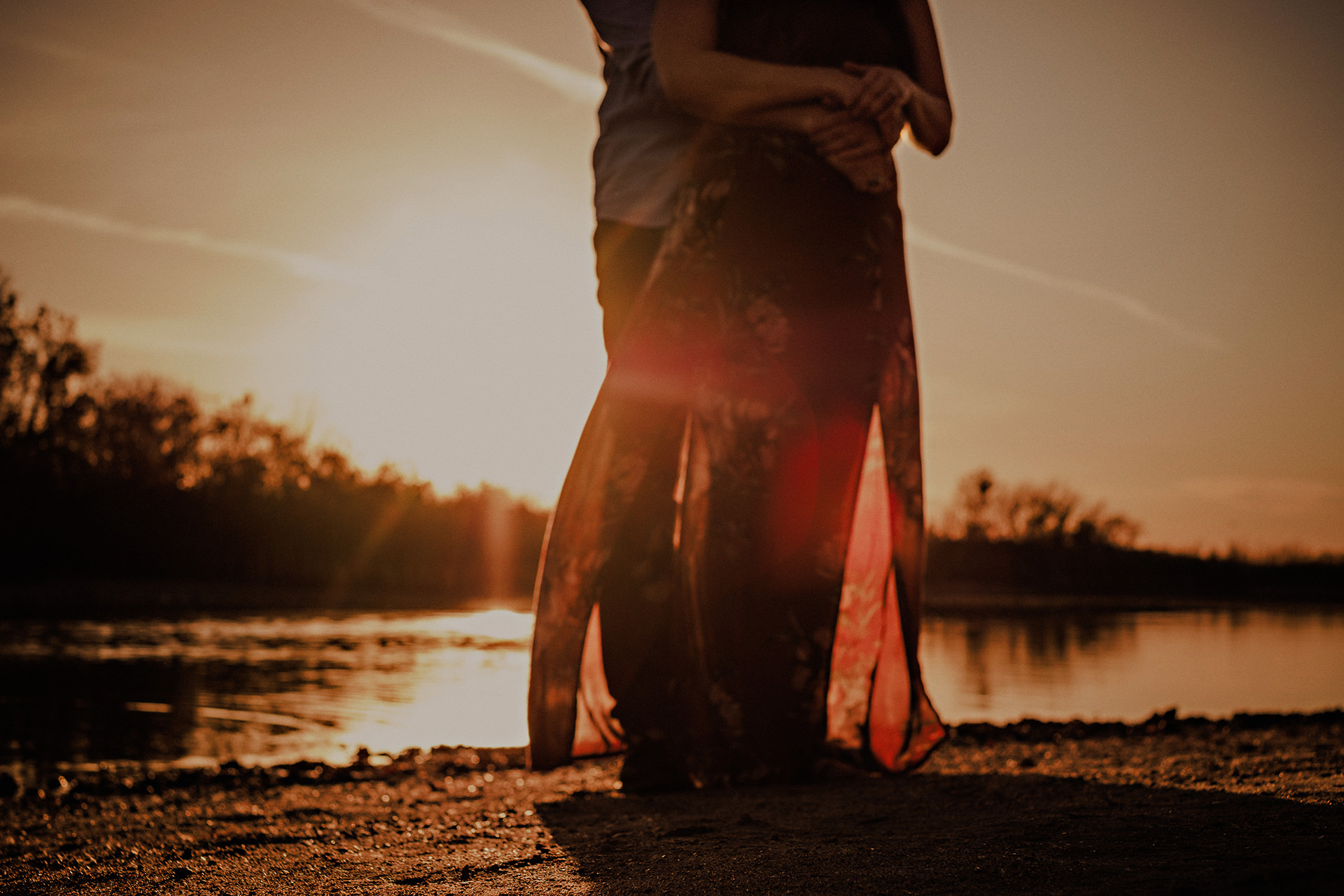 0018-gimli-lake-engagement-photos-melissa-chris.jpg