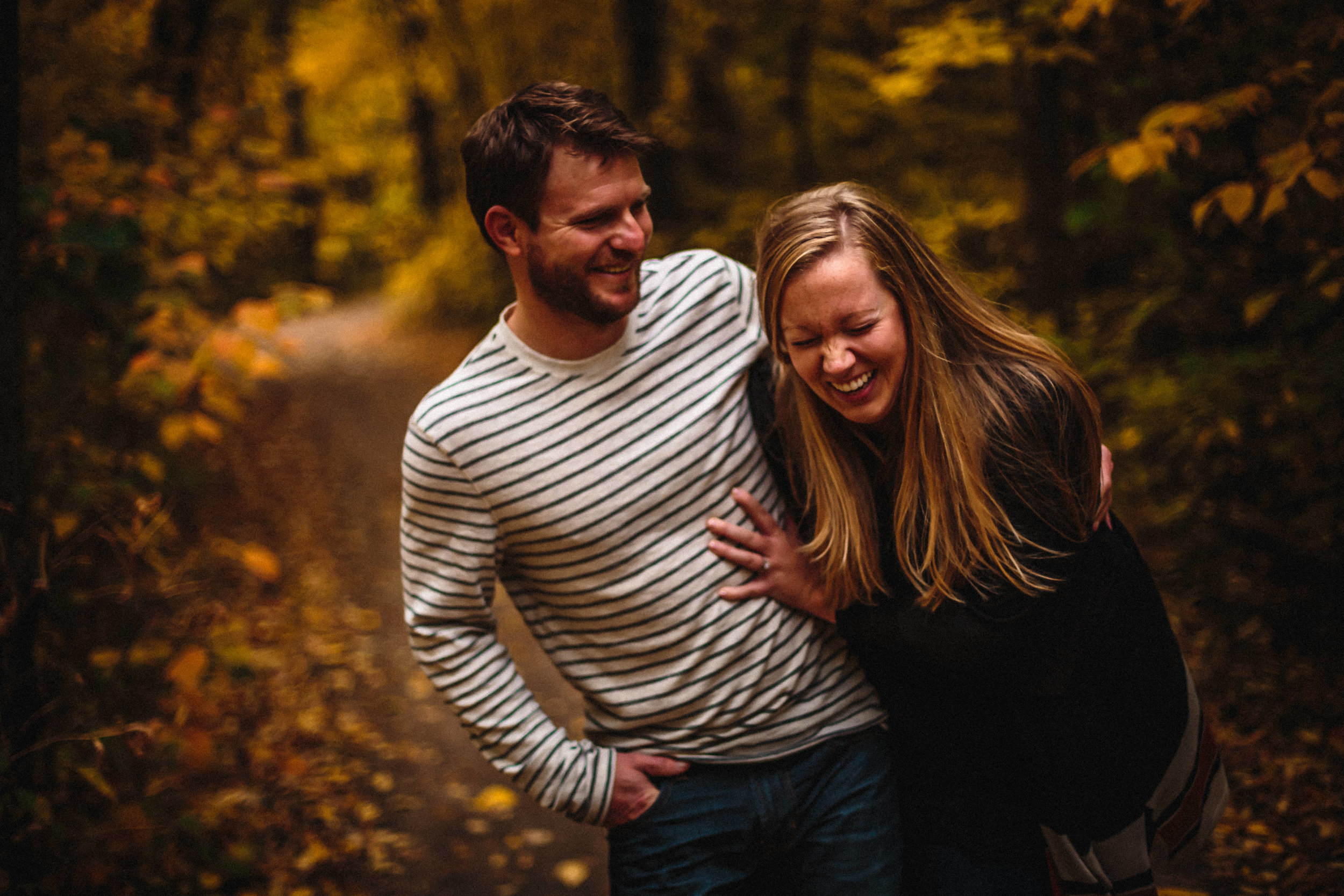 0004-winnipeg-engagement-photographer-nightsky-vanessa-randy.jpg