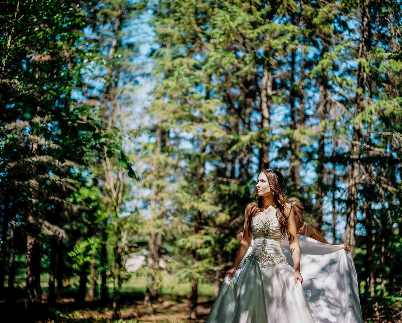 Kirstin+Edward|Married-Wedding-Grotto-CooksCreek-Manitoba-EvergreenVillage-ClassyWedding-HighEndWedding-LuxuryWedding-FineArtWedding-Winnipeg-WinnipegWeddingPhotographer-005.jpg