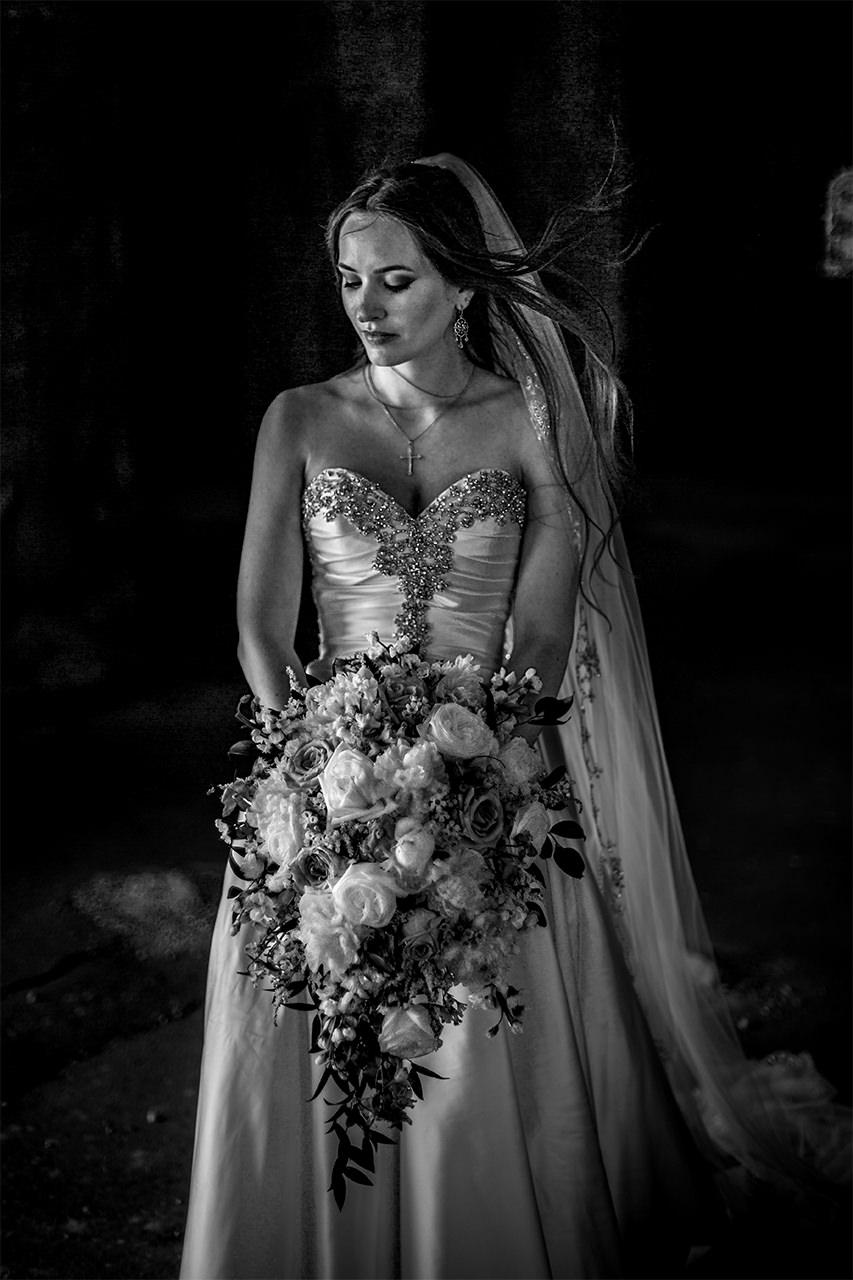 Kirstin+Edward|Married-Wedding-Grotto-CooksCreek-Manitoba-EvergreenVillage-ClassyWedding-HighEndWedding-LuxuryWedding-FineArtWedding-Winnipeg-WinnipegWeddingPhotographer-025.jpg