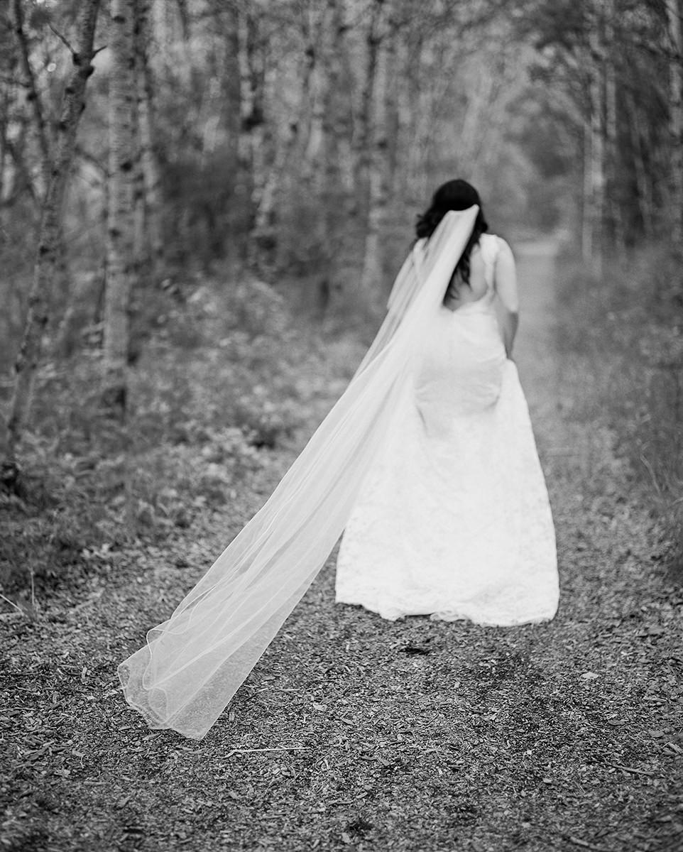 0011-qualico-family-centre-wedding-photos-melissa-chris.jpg