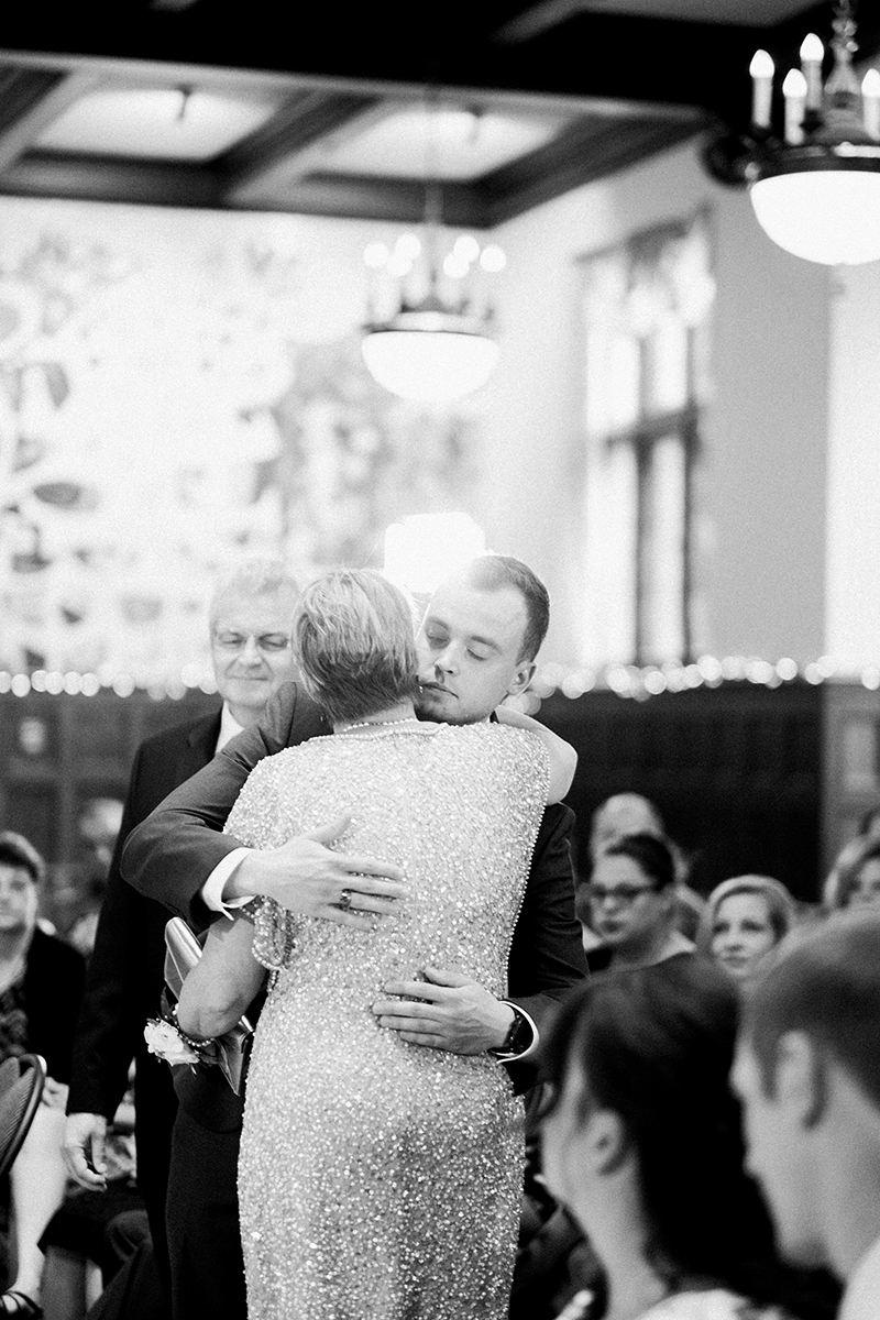 0017-qualico-family-centre-wedding-photos-melissa-chris.jpg