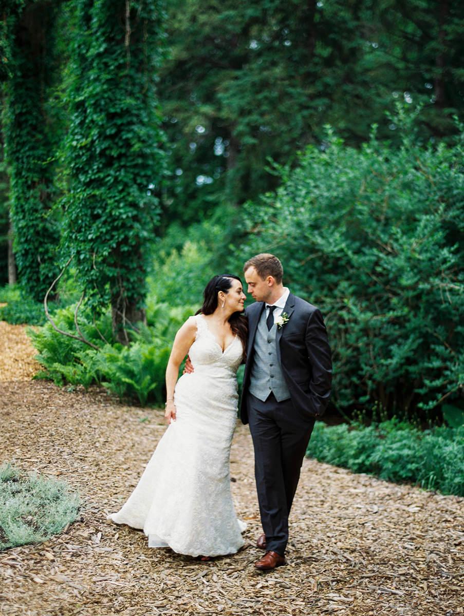 0041-qualico-family-centre-wedding-photos-melissa-chris.jpg