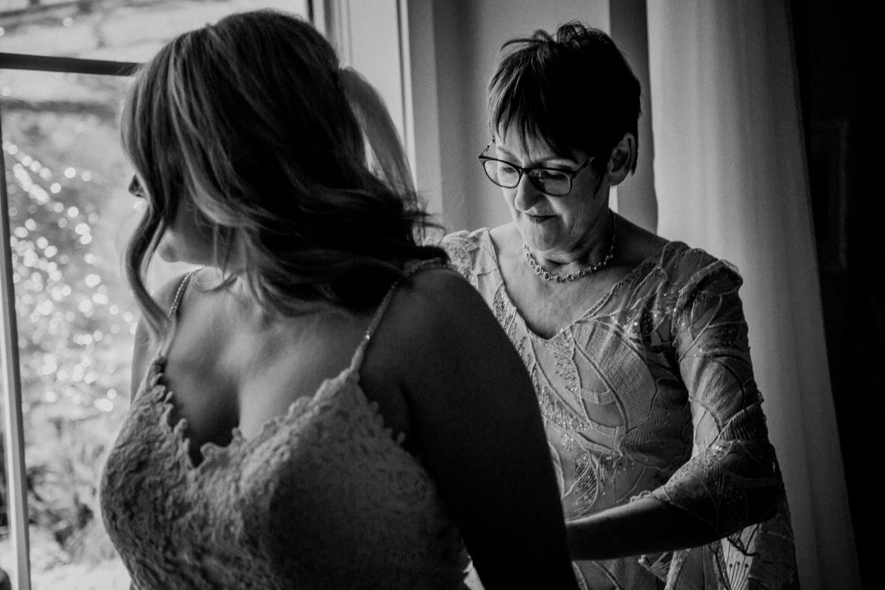 CarrieyAndCorey-Married-Wedding-HawthornEstatesWedding-WinnipegManitoba-CountryWedding-AutumnWedding-Fall-OutdoorWedding-blfStudios-Tony-006.jpg
