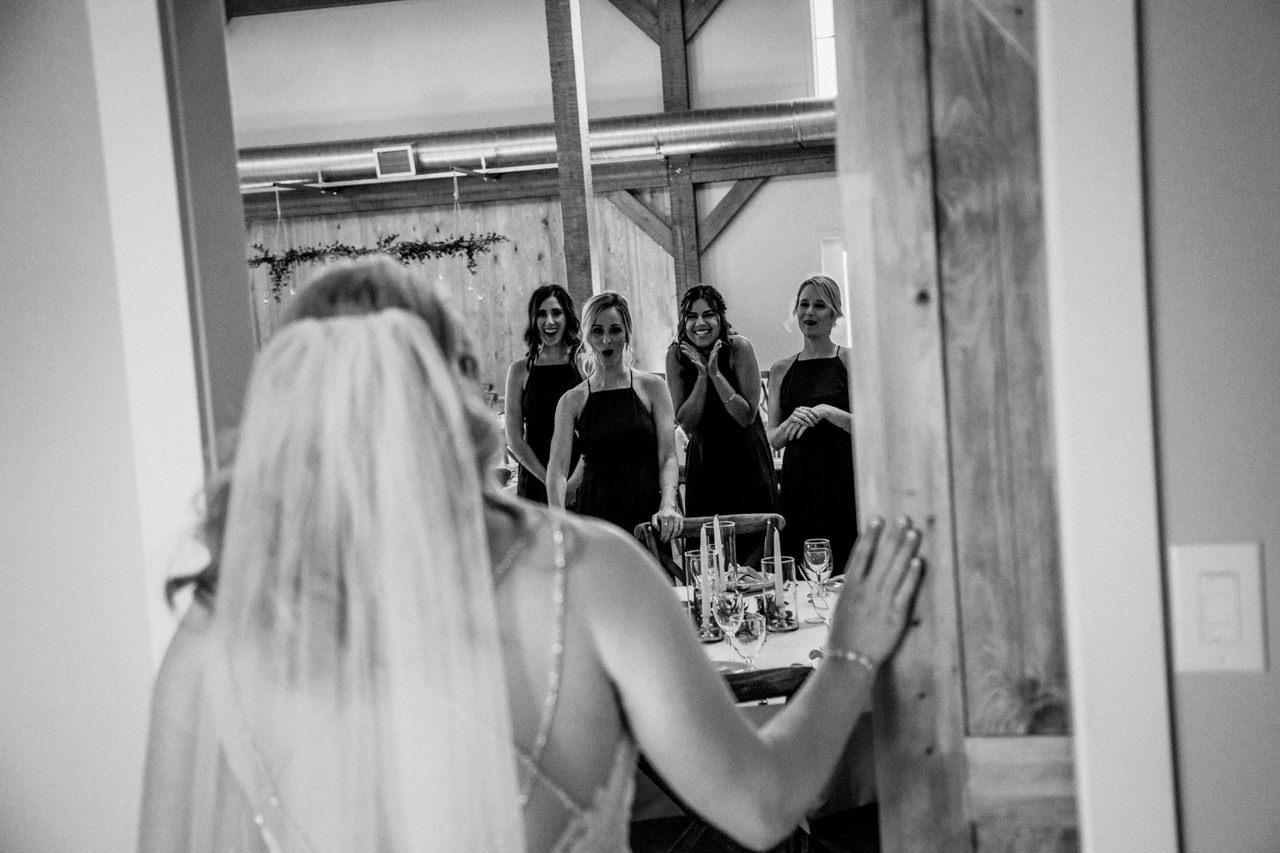 CarrieyAndCorey-Married-Wedding-HawthornEstatesWedding-WinnipegManitoba-CountryWedding-AutumnWedding-Fall-OutdoorWedding-blfStudios-Tony-009.jpg
