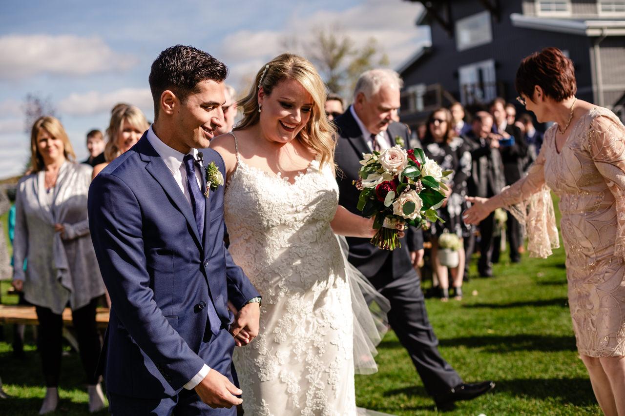 CarrieyAndCorey-Married-Wedding-HawthornEstatesWedding-WinnipegManitoba-CountryWedding-AutumnWedding-Fall-OutdoorWedding-blfStudios-Tony-014.jpg
