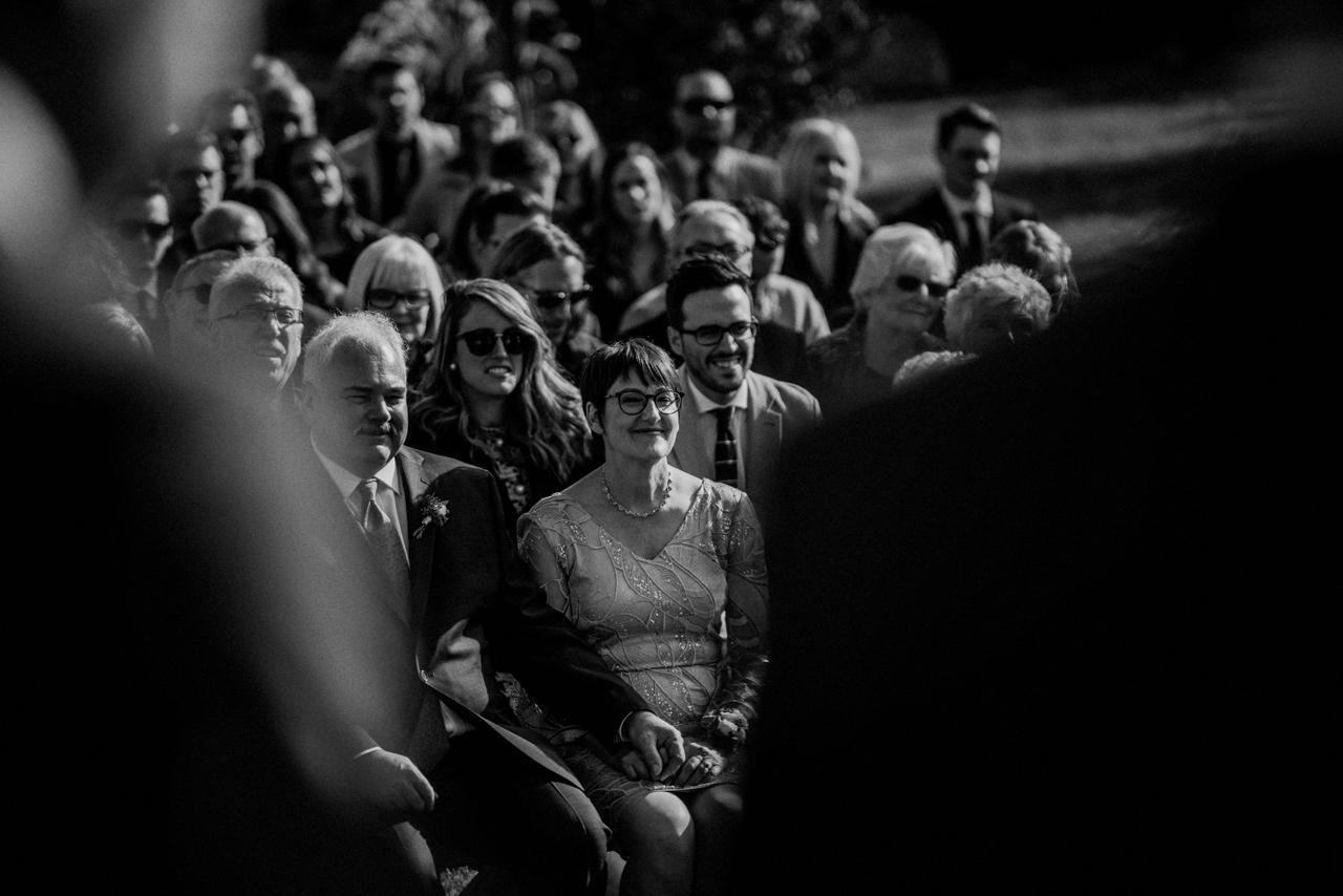CarrieyAndCorey-Married-Wedding-HawthornEstatesWedding-WinnipegManitoba-CountryWedding-AutumnWedding-Fall-OutdoorWedding-blfStudios-Tony-018.jpg