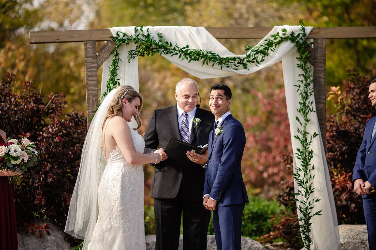 CarrieyAndCorey-Married-Wedding-HawthornEstatesWedding-WinnipegManitoba-CountryWedding-AutumnWedding-Fall-OutdoorWedding-blfStudios-Tony-023.jpg