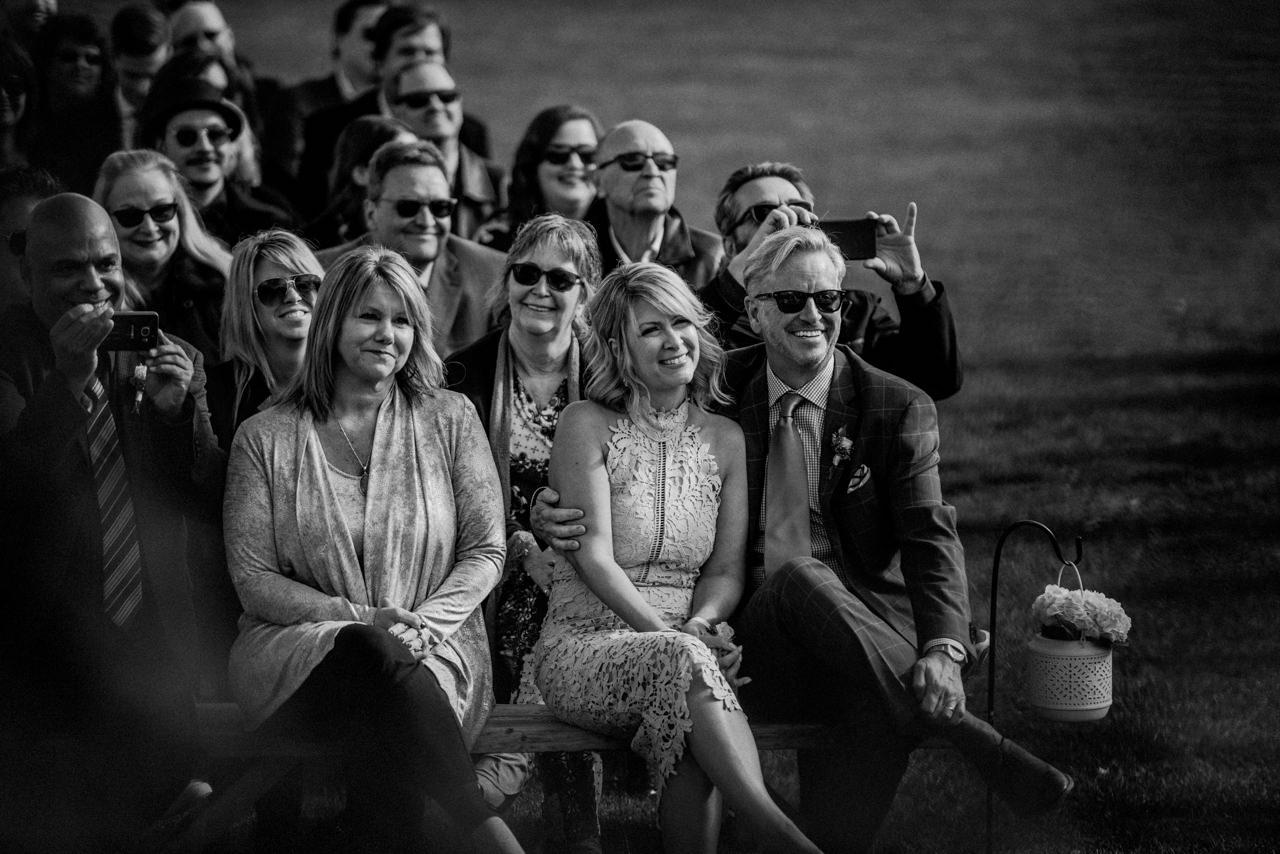 CarrieyAndCorey-Married-Wedding-HawthornEstatesWedding-WinnipegManitoba-CountryWedding-AutumnWedding-Fall-OutdoorWedding-blfStudios-Tony-025.jpg
