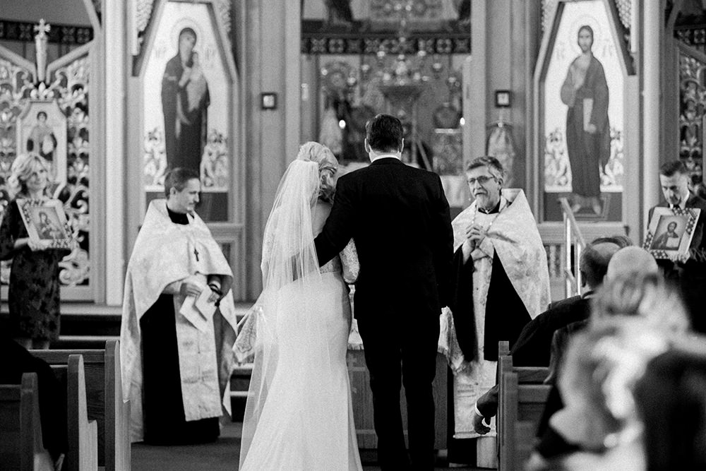 0022qualico-centre-winter-wedding-lesya-kellen.jpg