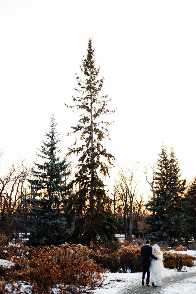 0031qualico-centre-winter-wedding-lesya-kellen.jpg