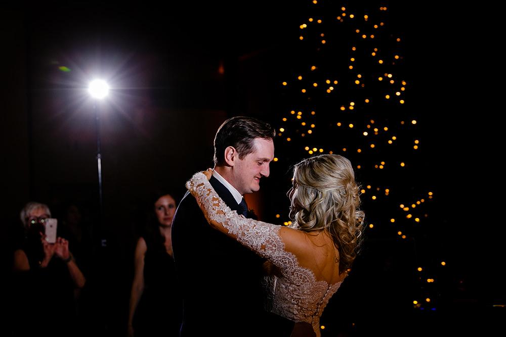 0063qualico-centre-winter-wedding-lesya-kellen.jpg