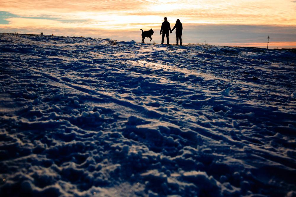 Winter engagement photographer Winnipeg