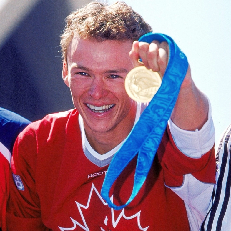 Simon_Whitfield_Olympic_Gold