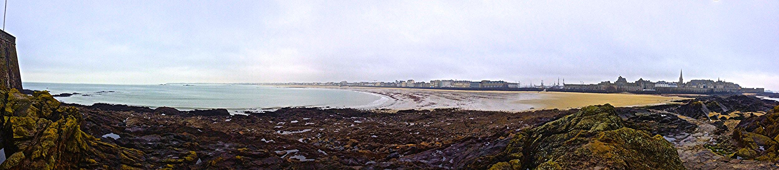 Panoramic of Saint Malo beach