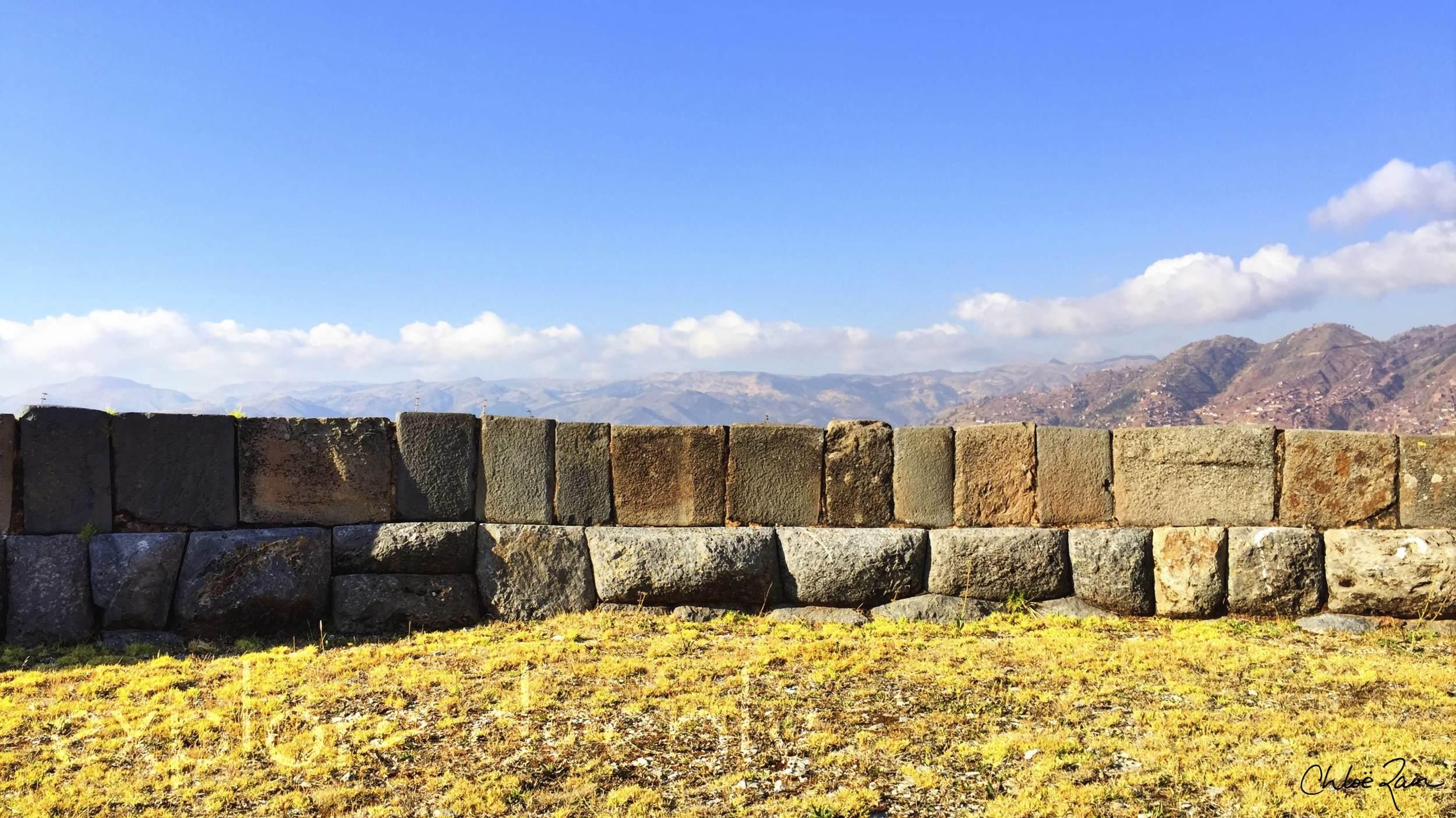 Sacsayhuaman : World Mysteries