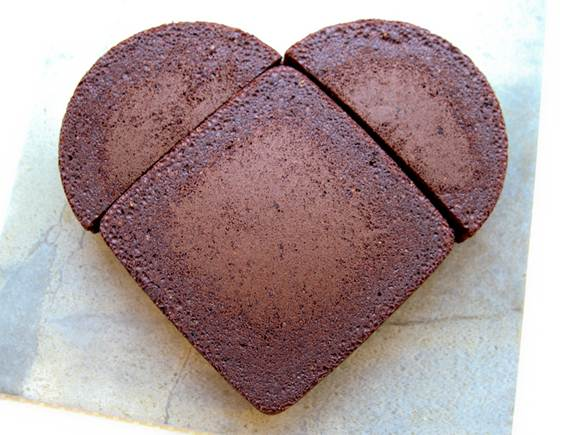 How to Make a Heart Shaped Cake for Valentines