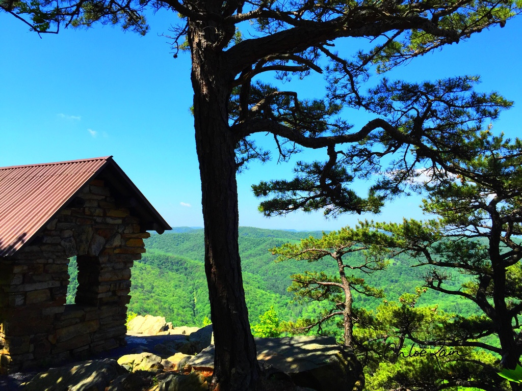 Cranny Crow overlook in Lost River State Park, West Virginia