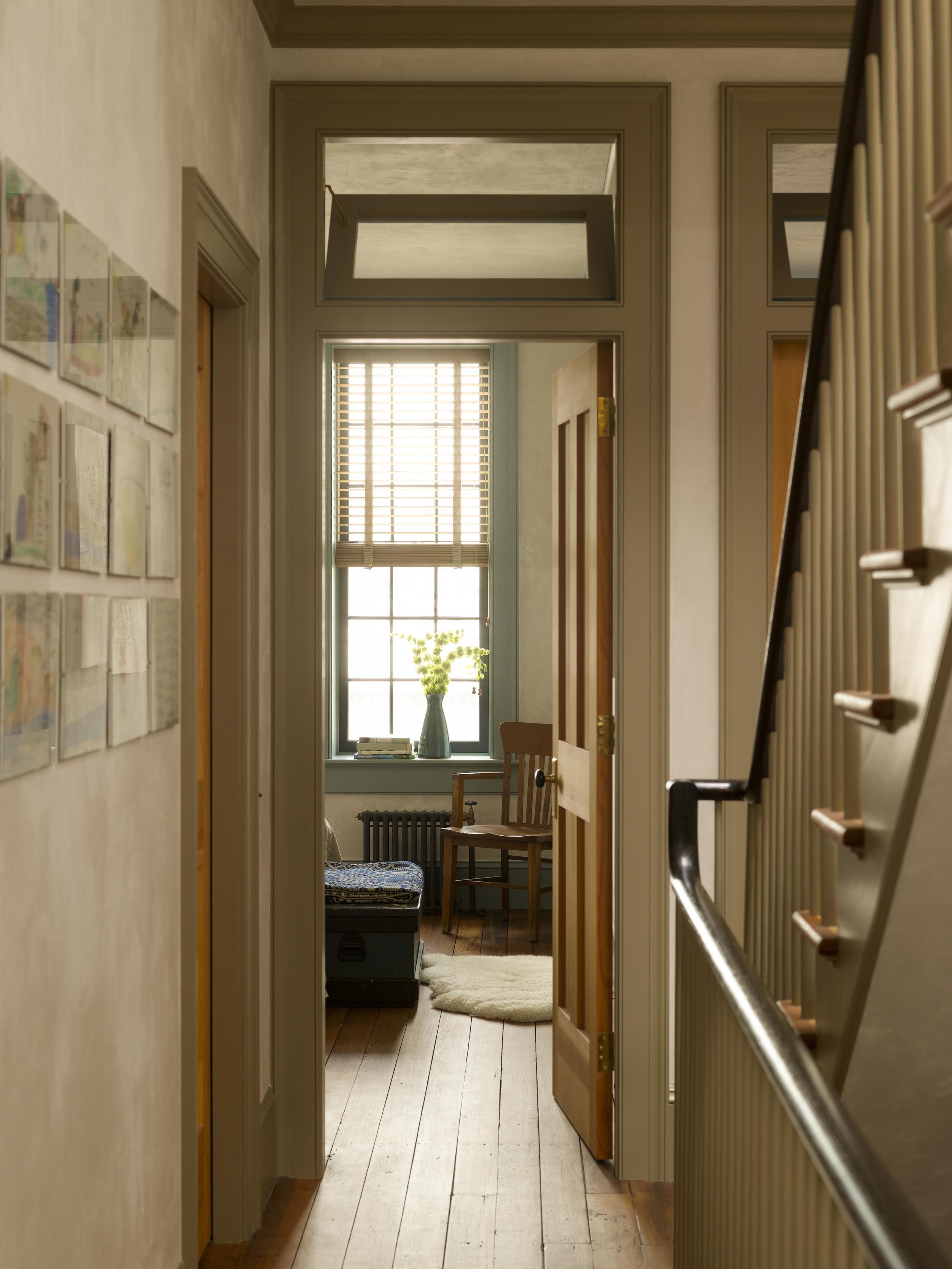 Hallway_00018e.jpg