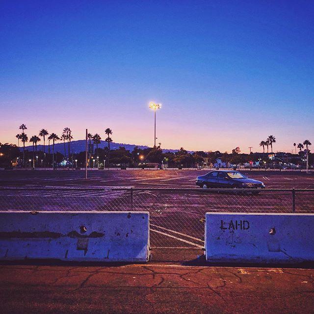 Open space. #sunset #dusk #parkinglot #fence #chainlink #horizon #sanpedro #california #southbay #losangeles #mydayinla #broadmag #thisaintartschool #jbdsgnd | San Pedro, CA 09.19