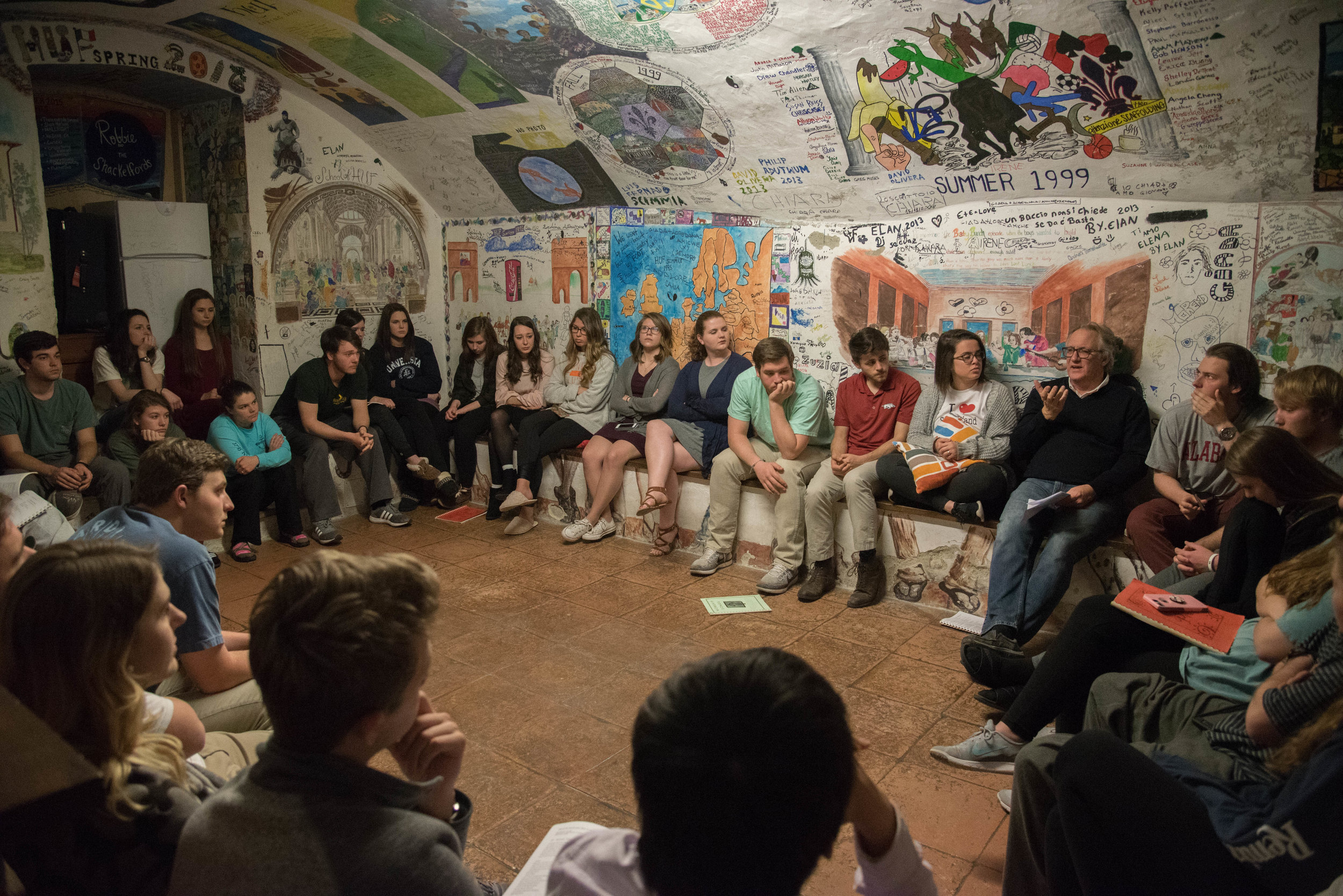 A time of worship is a part of every day in the HUF program. Last night we worshiped together with song in the cellar of the Villa. The walls of the cellar are painted with murals done by past HUFgroups dating back to the early 1990's.