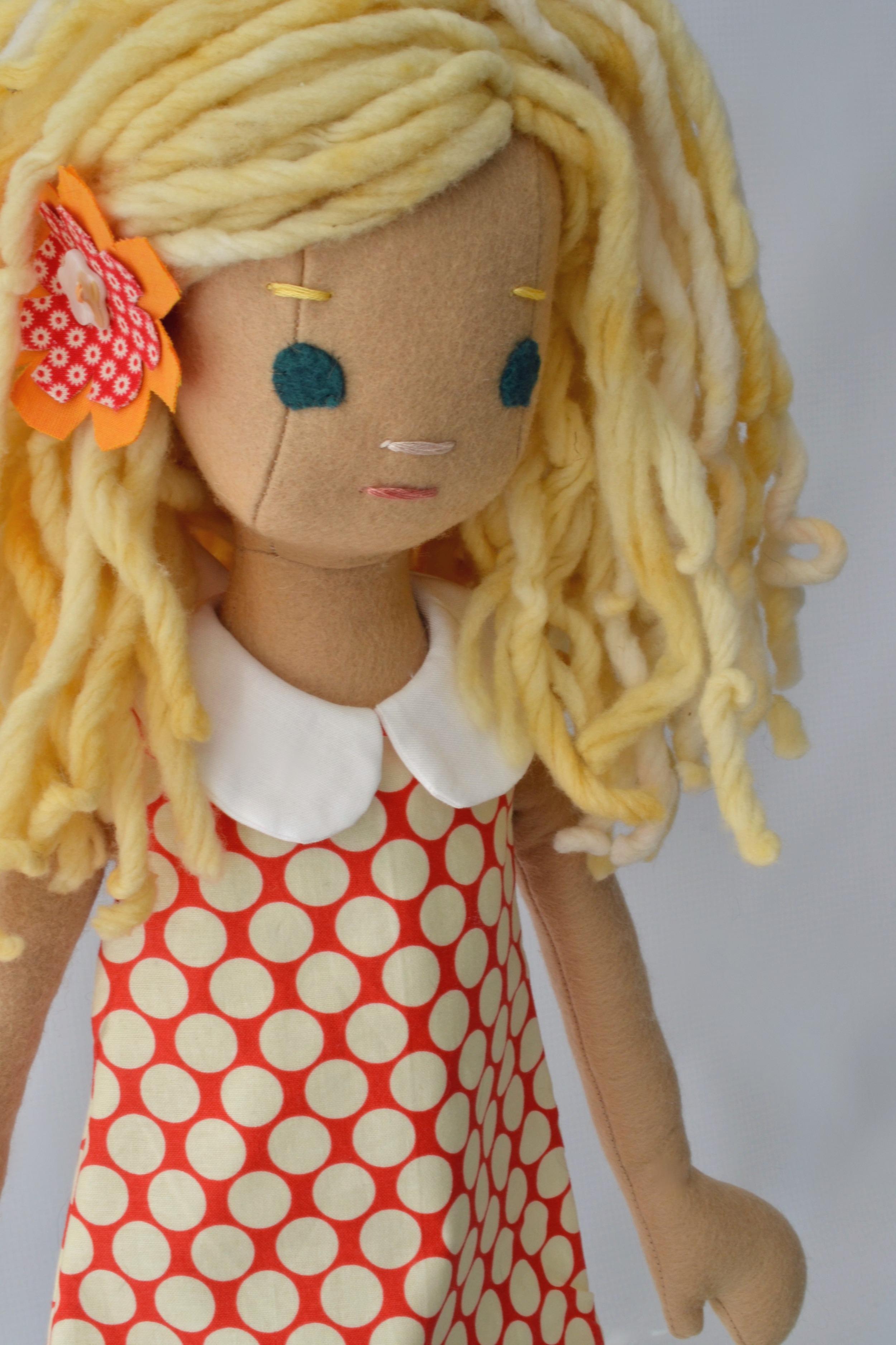 Blond Curly Hair Phoebe  34PM.jpg