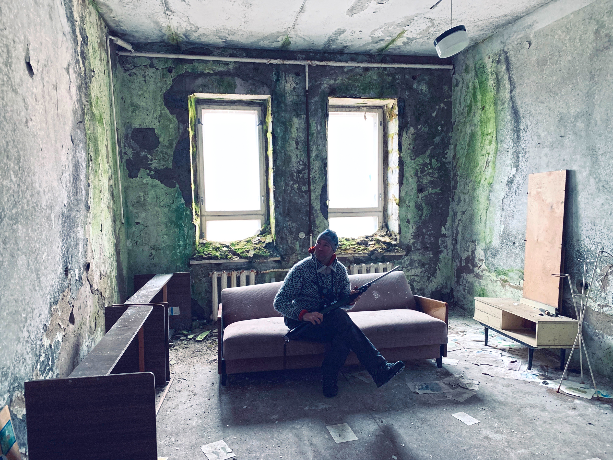Phil Wickens in the school building at Pyramiden (Mike Watson).