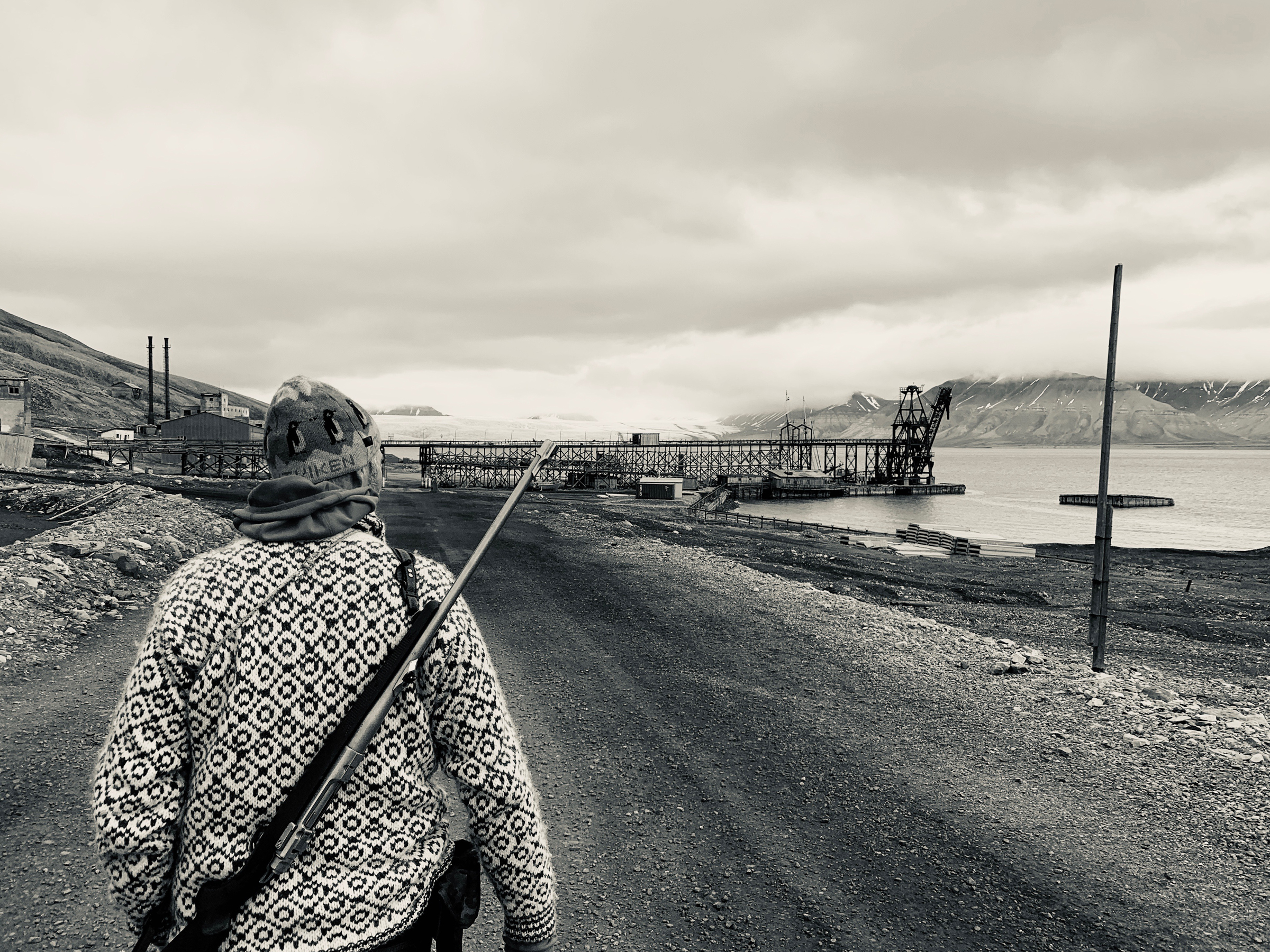 Phil Wickens at Pyramiden Jetty (Mike Watson).