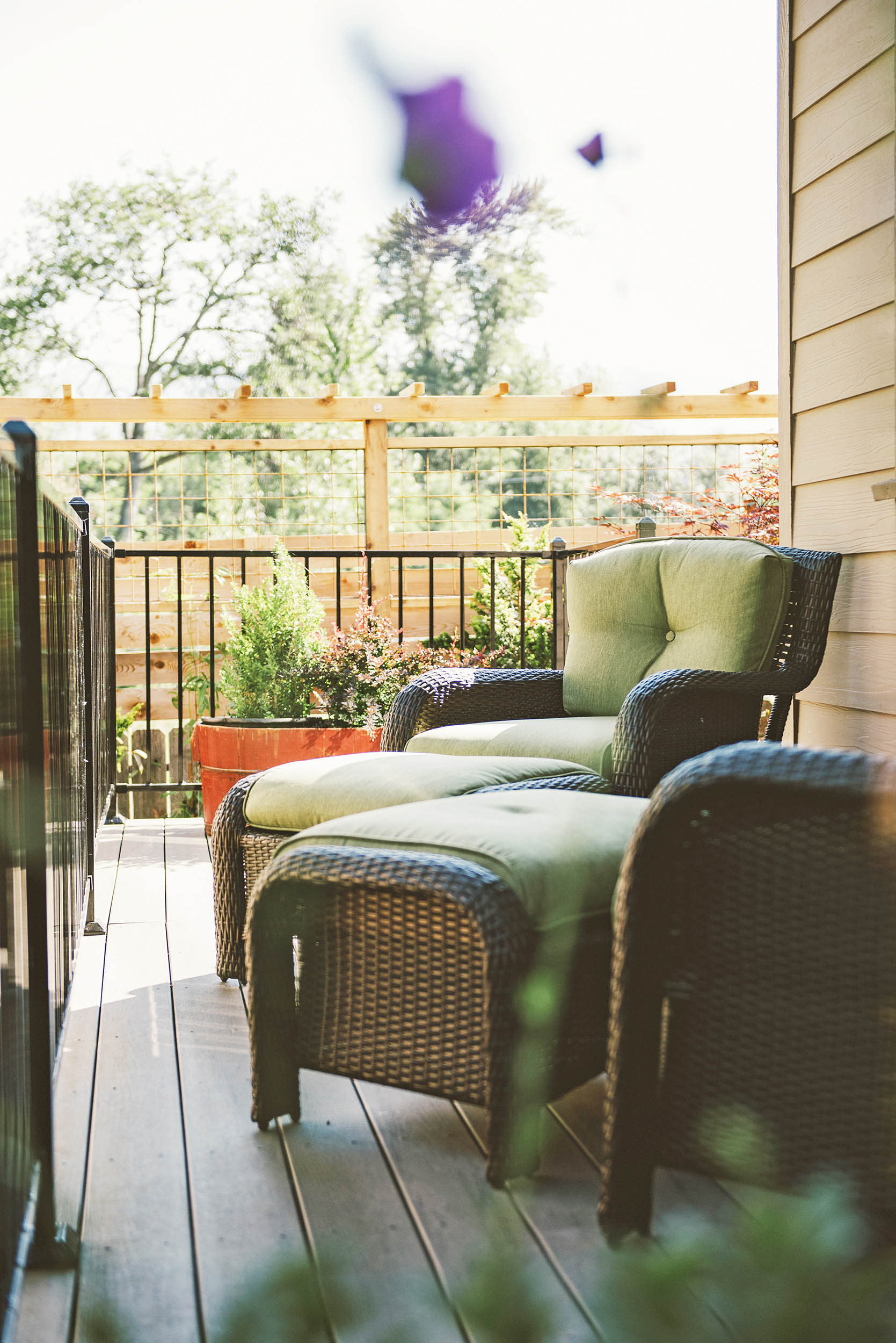 Relaxing Seating Nook + Craftsman-Style Cedar Fence Extension + Trellis