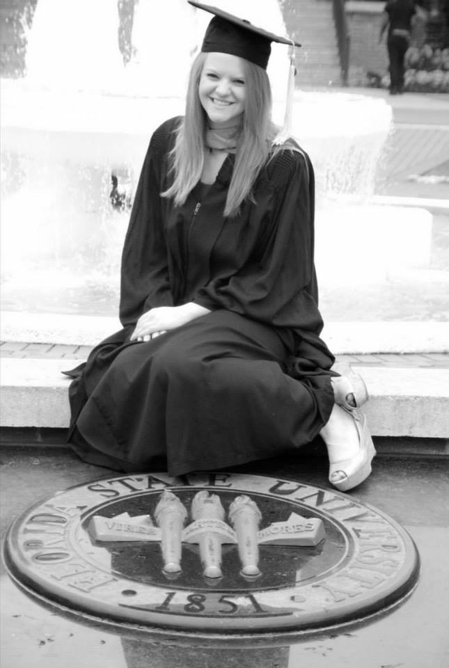 Shoutout to Alyssa Gill for taking great graduation photos for me!
