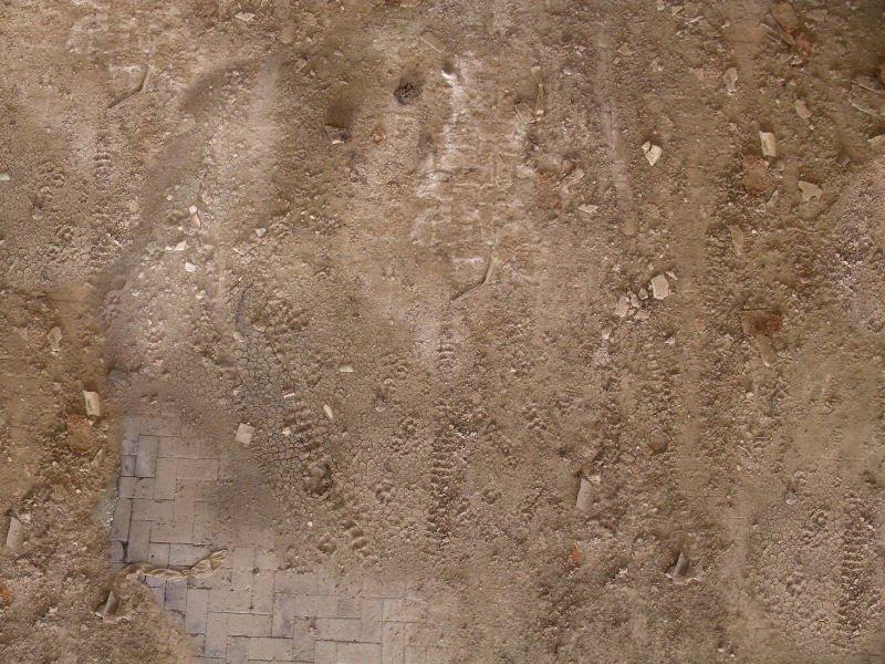 very dirt ground floor 3.jpg.jpg