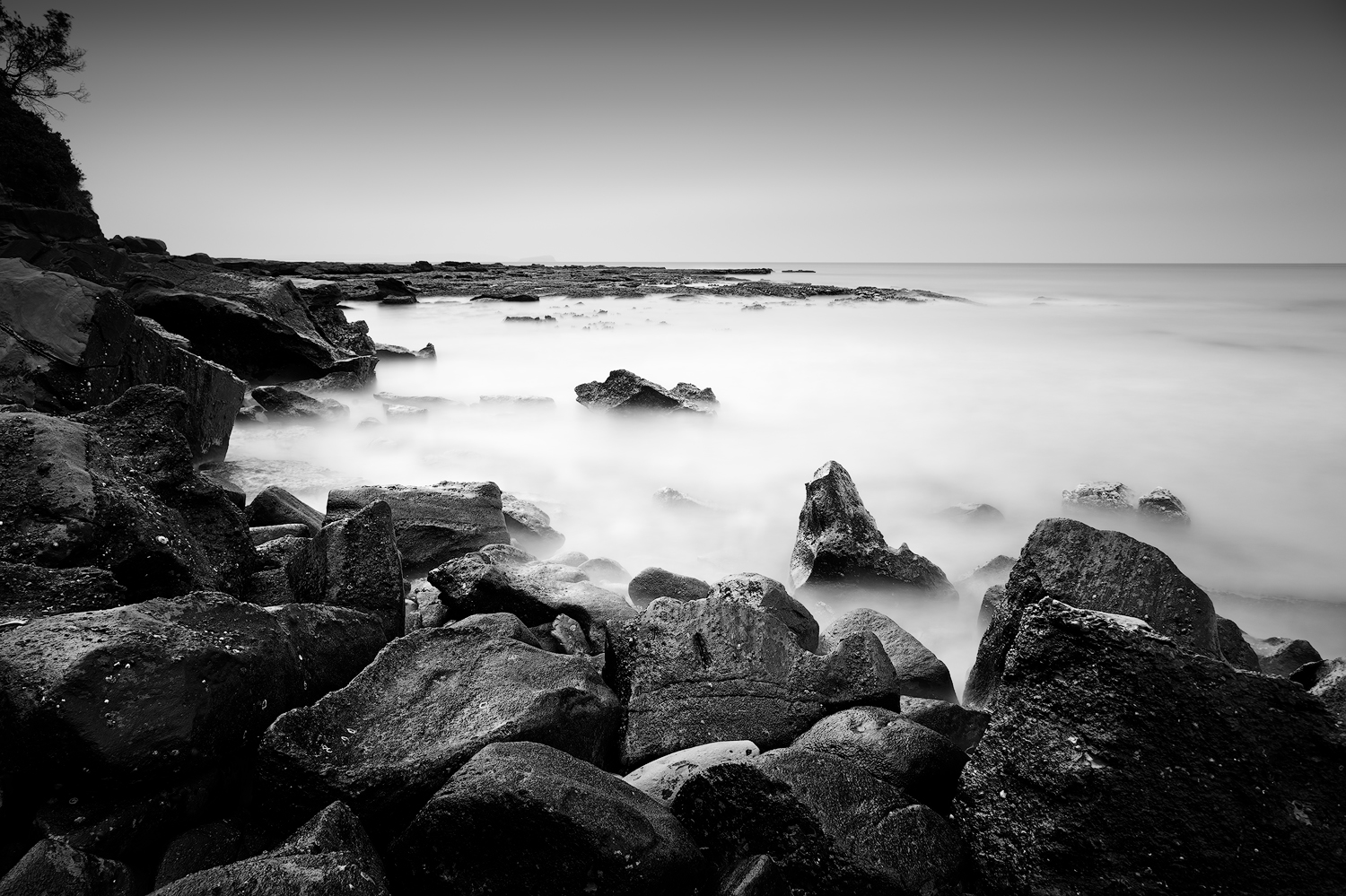 Cabbage Tree Bay in Mono