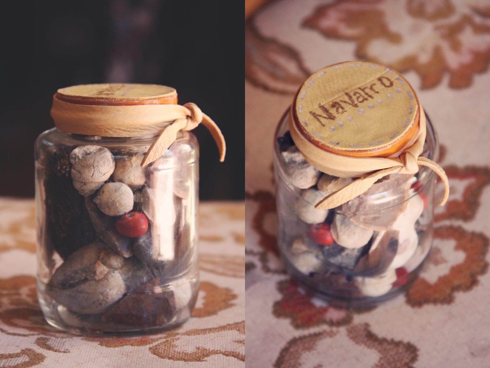 nature keepsake jar diy.png
