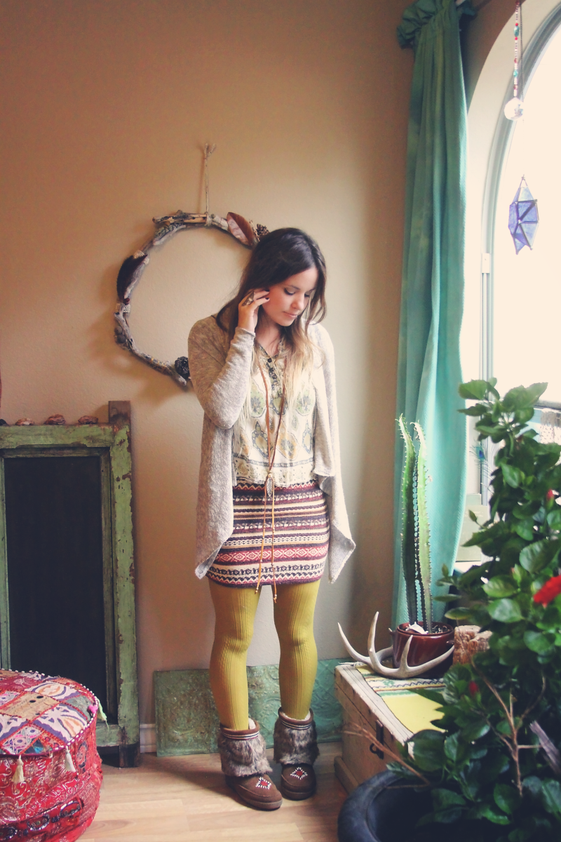 minnetonka holiday outfit on rootsandfeathers.com