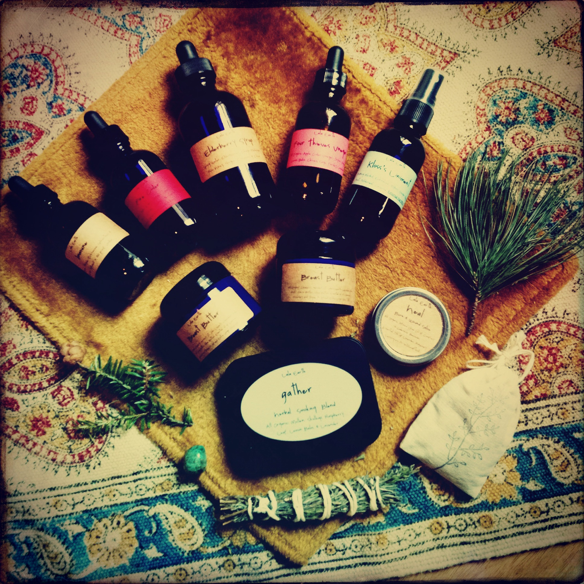 I got in the most amazing herbals from LaLa Earth (check out her button on the sidebar for her shop)
