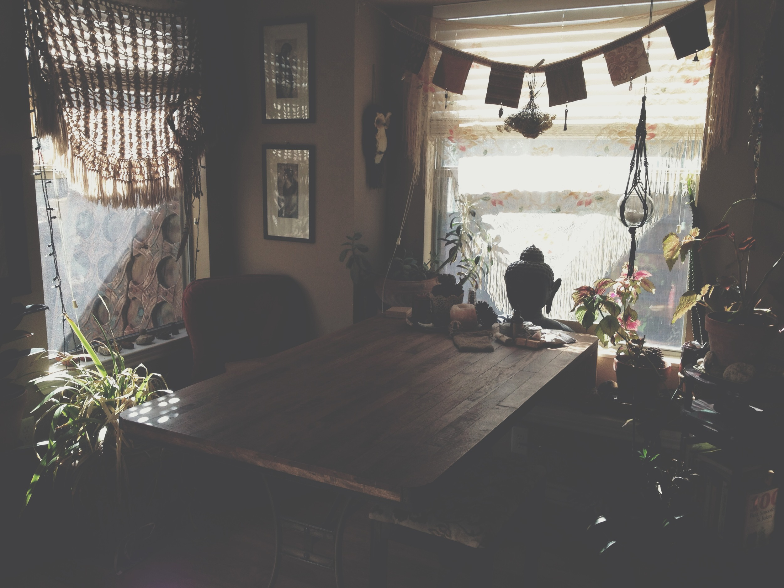 a moment while cleaning house i caught a glimpse of this space and had to capture it